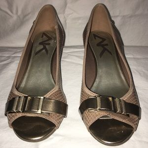 *Anne Klein Sport | Cerrance Low Wedge